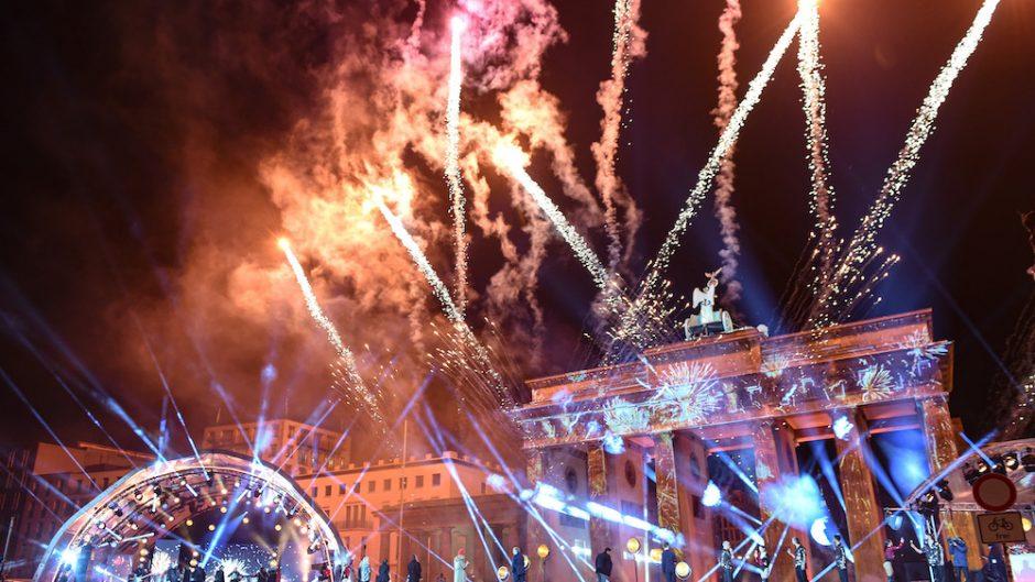 Celebrate at the gate - Feuerwerk in Berlin